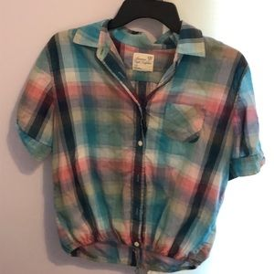 AEO plaid ss button down crop style top blouse S